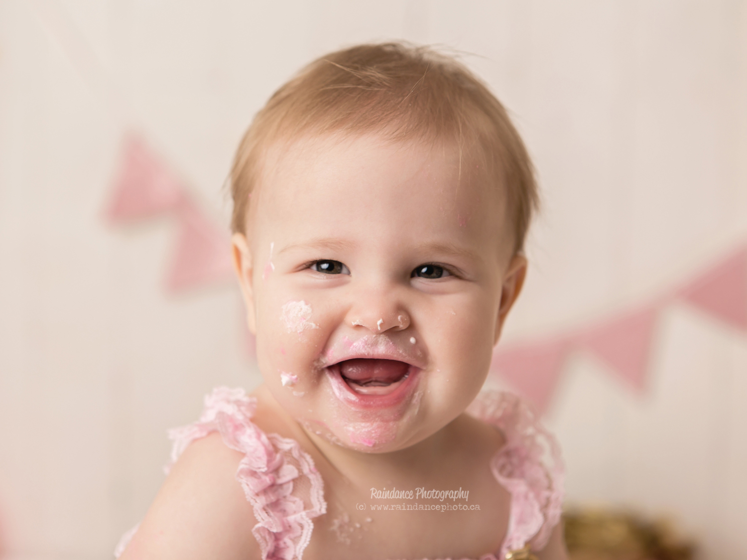 Scarlett - Barrie Cake Smash Photographer 13